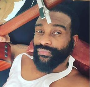 CONFINEMENT : Fally Ipupa redevient noir